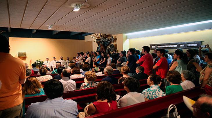 Un momento de la Santa Misa celebrada el día 14/07/2014 en la Capilla de la  Facultad de Geografía e Historia de la UCM