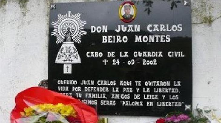 Lápida en honor a Juan Carlos Beiro (víctima de ETA)