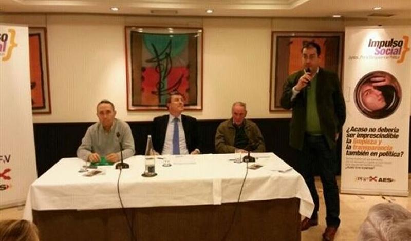 Sentado a la derecha Carlos Ibañez representante de la CTC