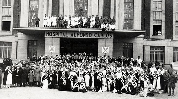 Dotación completa del Hospital Carlista Alfonso Carlos de Pamplona durante la Cruzada de Liberación