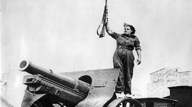 En 1936 (fecha de la imagen) en Barcelona los rojos hacían alarde de fuerza, en 1939 abandonarían la ciudad tras miles de inocentes represaliados.