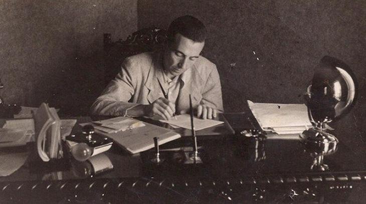 Miquel Serra Pamiés en su despacho de Consejero de Obras Públicas