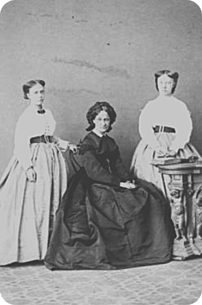 MARGARITA DE BORBÓN-PARMA EN FRONDOHST. La foto es del austriaco Carl Skutta (1826-1899),